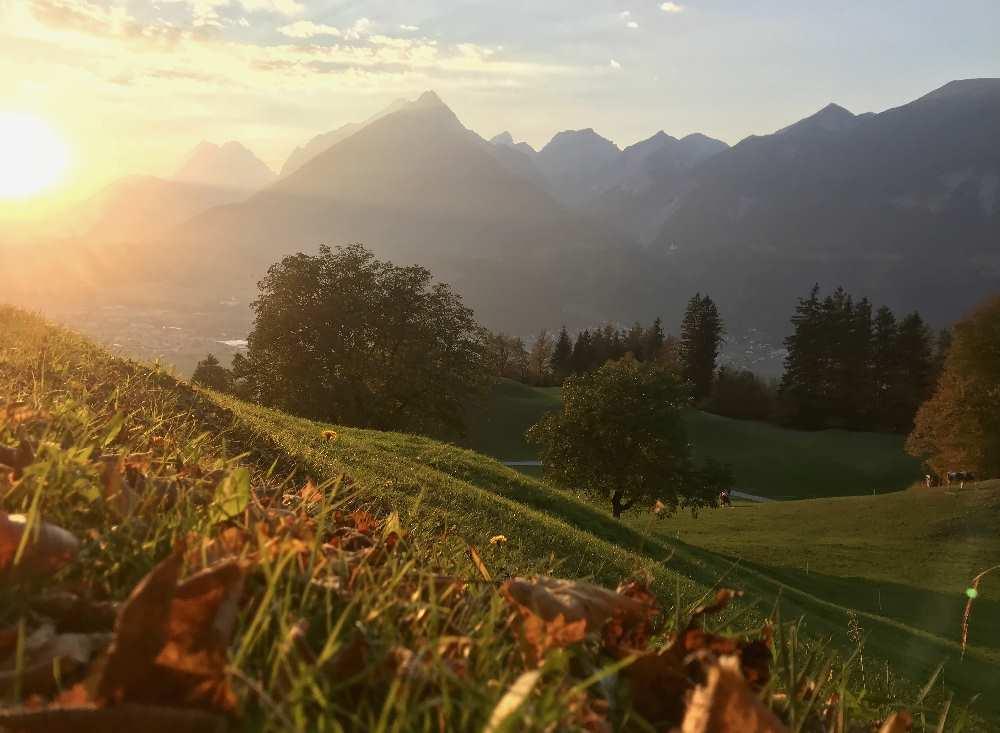 Sonnenuntergang im Herbst. Reiseblogger Tipp für den Urlaub im Karwendelgebirge