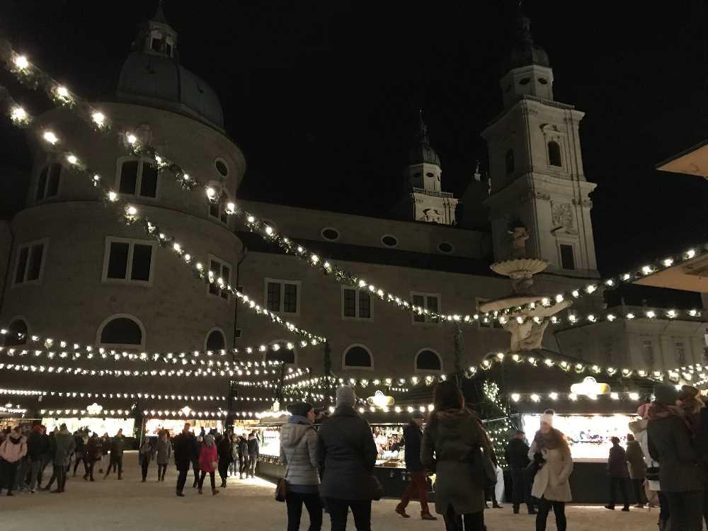 Weihnachtsmarkt Salzburg: Besuch die Veranstaltung mit den Bläsern am Christkindlmarkt in Salzburg