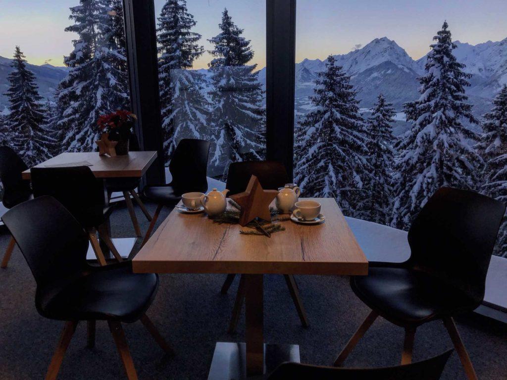 Top Blick in die winterlichen Berge - beim Rodel Toni