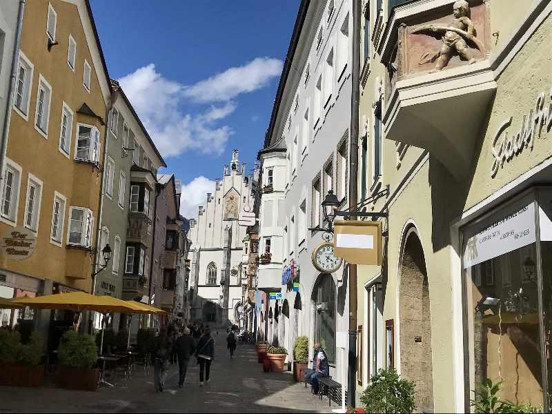 Sehenswürdigkeiten Schwaz in Tirol - die Altstadt mit der Franz-Josef-Strasse