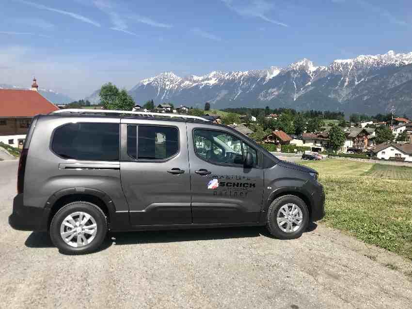 Mit dem Auto auf den Glungezer und mit Blick auf das Karwendel parken