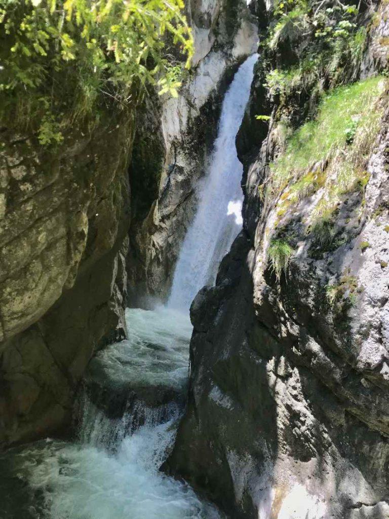Reiseblogger Deutschland Tipps: Tatzelwurm Wasserfälle Bayern