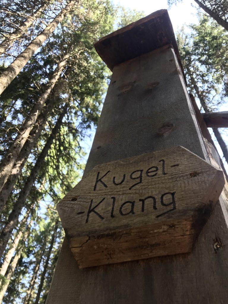 Glungezer Freizeitspaß im Zirbenwald - jede Kugelbahn hat ihren eigenen Namen