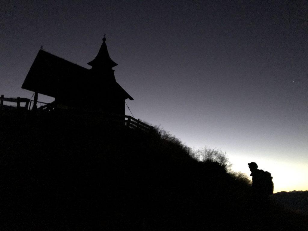 Aufstieg mit Stirnlampe auf das Kellerjoch solange es noch dunkel ist