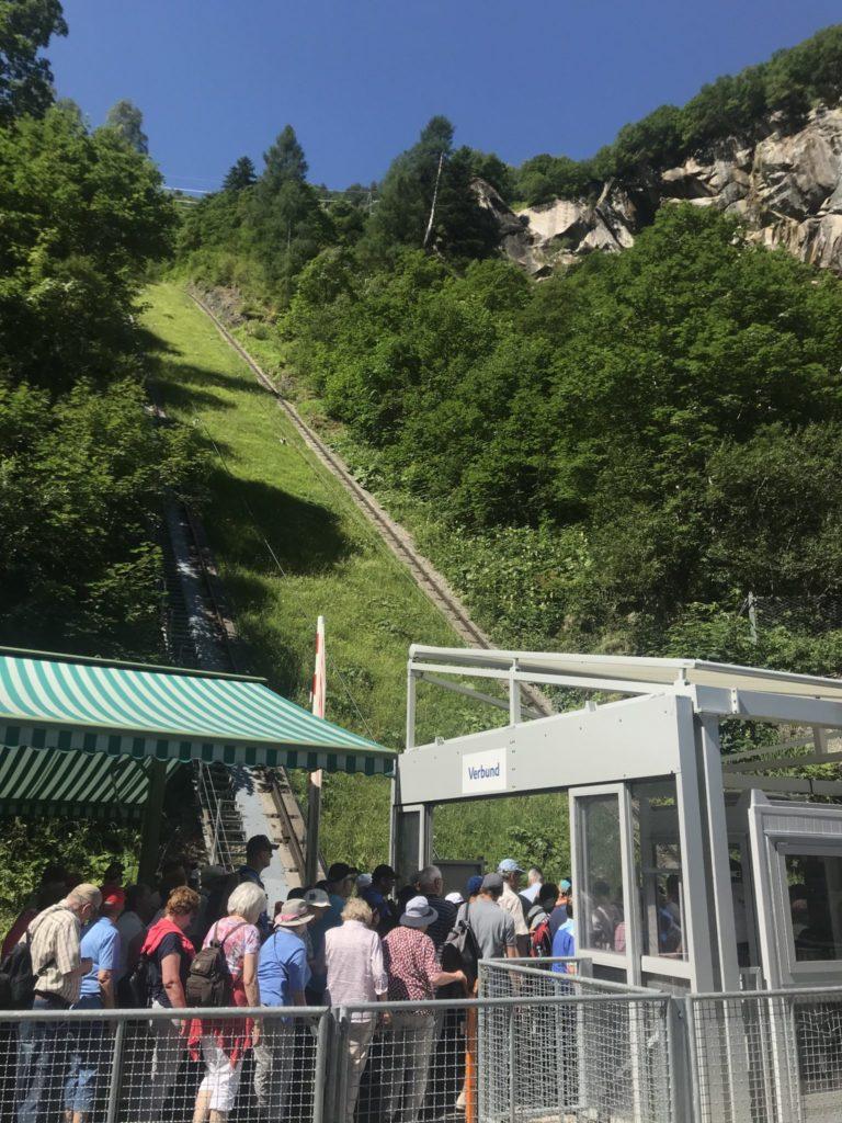 an die Stauseen mit dem Schrägwandaufzug Kaprun - einzigartiger Aufzug in Europa!