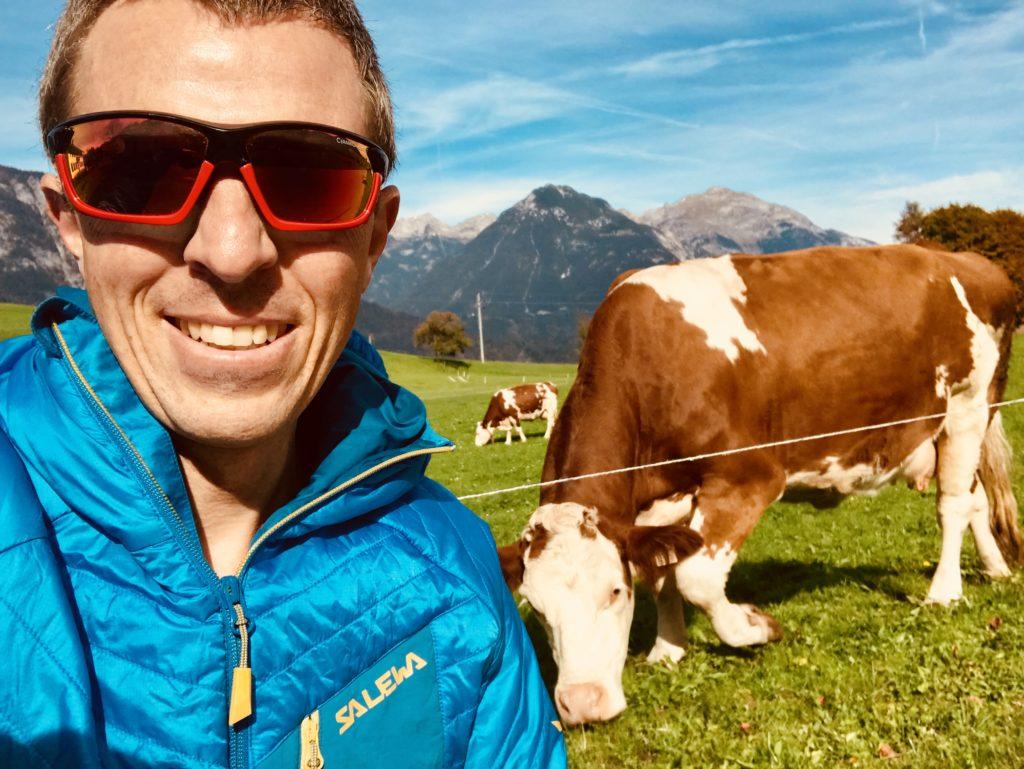 Der Reiseblogger Markus Schmidt unterwegs in den Bergen