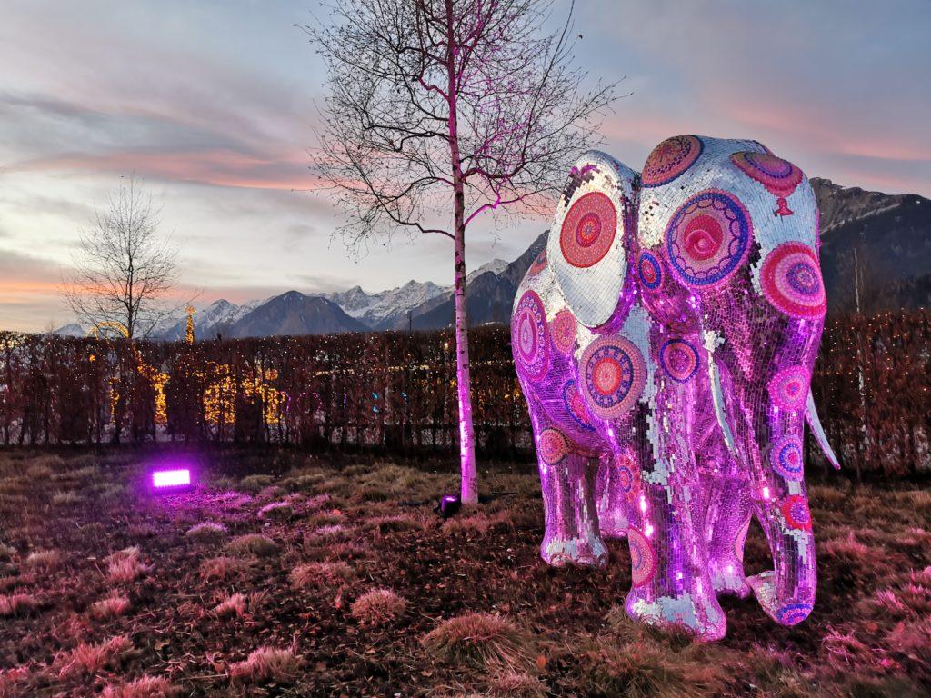 Swarovski Kristallwelten Lichterfestival - das ist der Elefant am Eingang