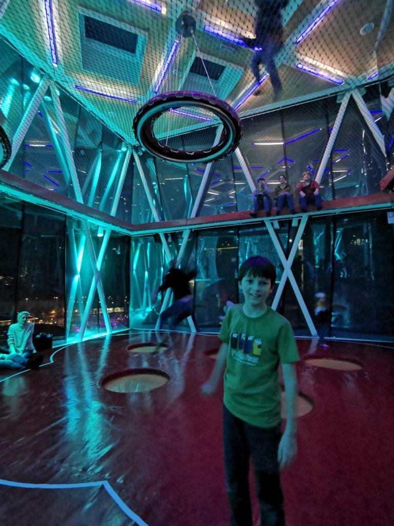 Toben im Swarovski Kristallwelten Spielturm
