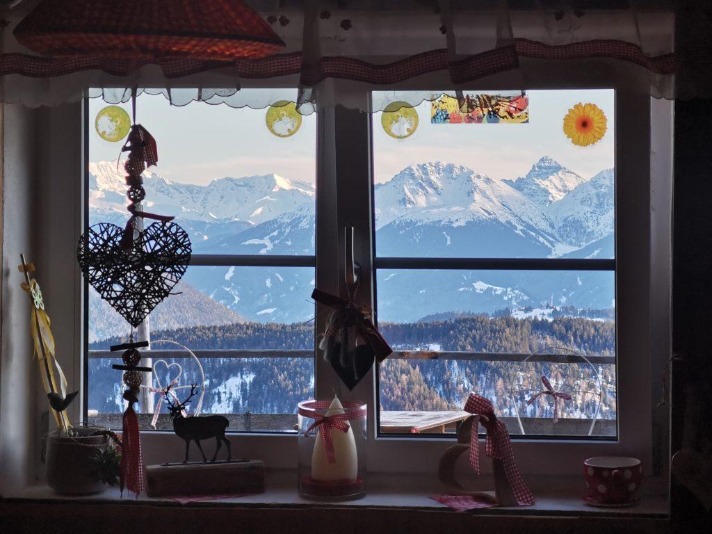 Auf der mehrtägigen Schneewanderung winterwandern und auf der Wettersteinhütte übernachten