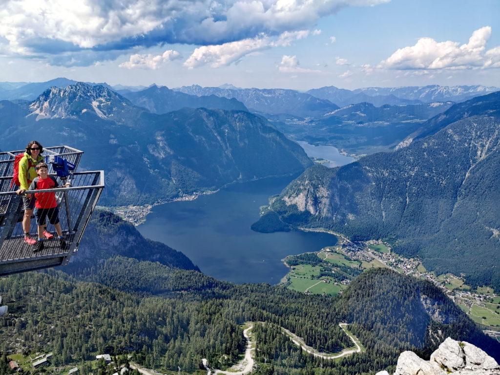 Der Hallstätter See  von oben - Reiseblogger Tipps: Dieser See beeindruckt mit überdurchschnittlich vielen Aussichtspunkten!