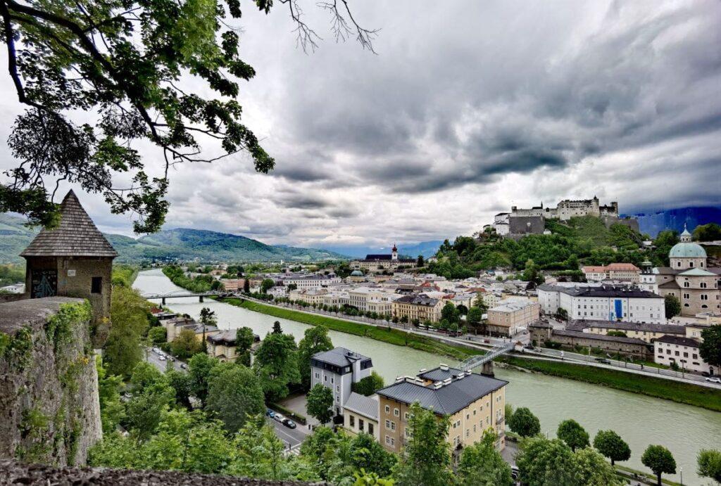 Panoramablick von der Bastei am Kapuzinerberg Salzburg